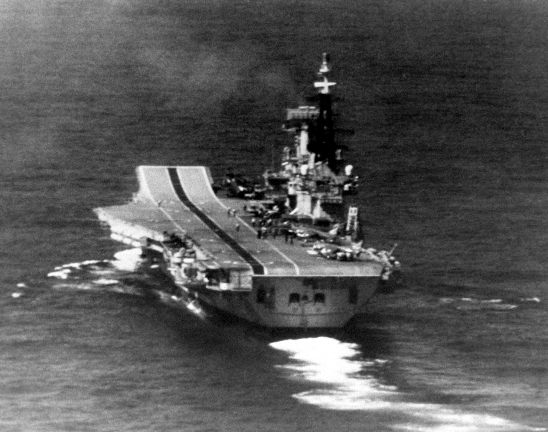 Portaaviones británico HMS Hermes.