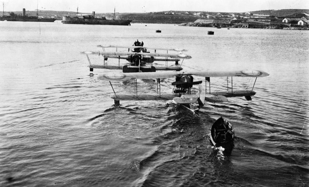 水上滑走艇M-9