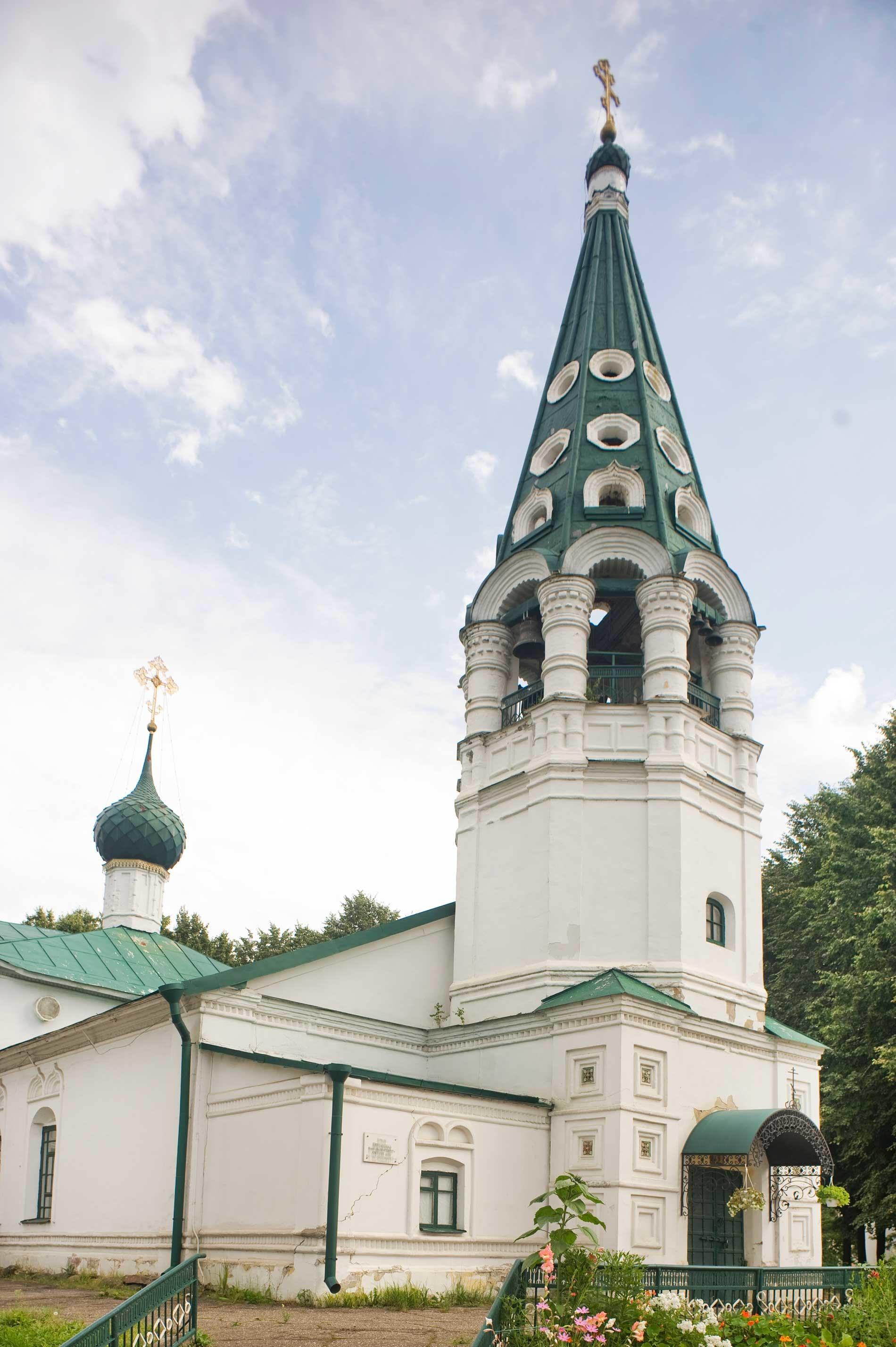 Church of St. Nicholas. Northwest view. August 14, 2017.