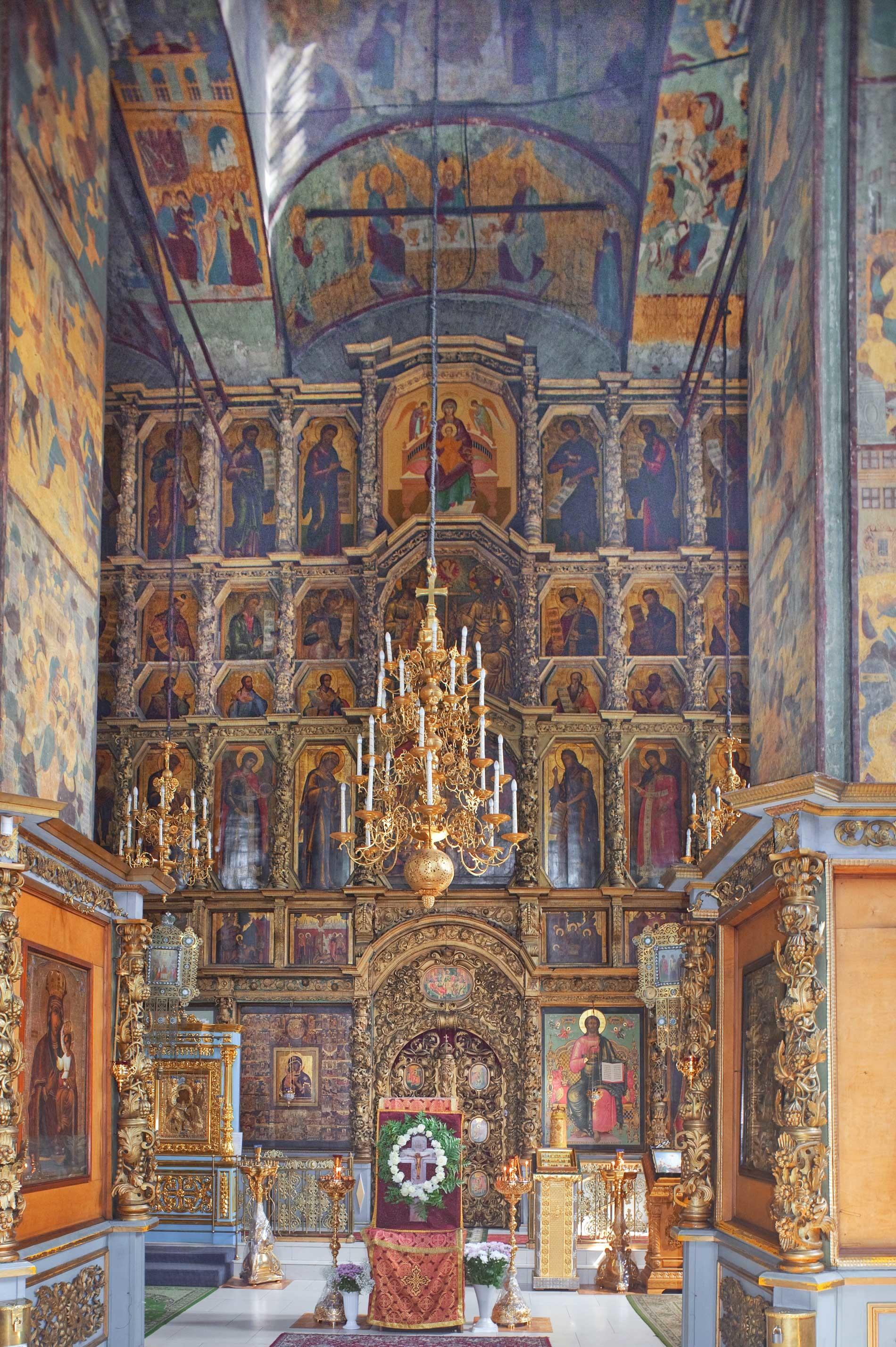 Chiesa dell'Icona della Vergine di San Teodoro. Interno, vista verso est con l'iconostasi. 14 agosto 2017
