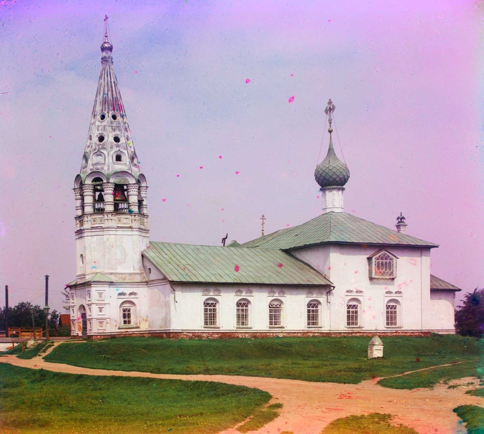 """Chiesa di San Nicola """"sui ceppi"""" (chiesa invernale della parrocchia della Chiesa dell'Icona della Vergine di San Teodoro). Vista sud. Estate 1911"""