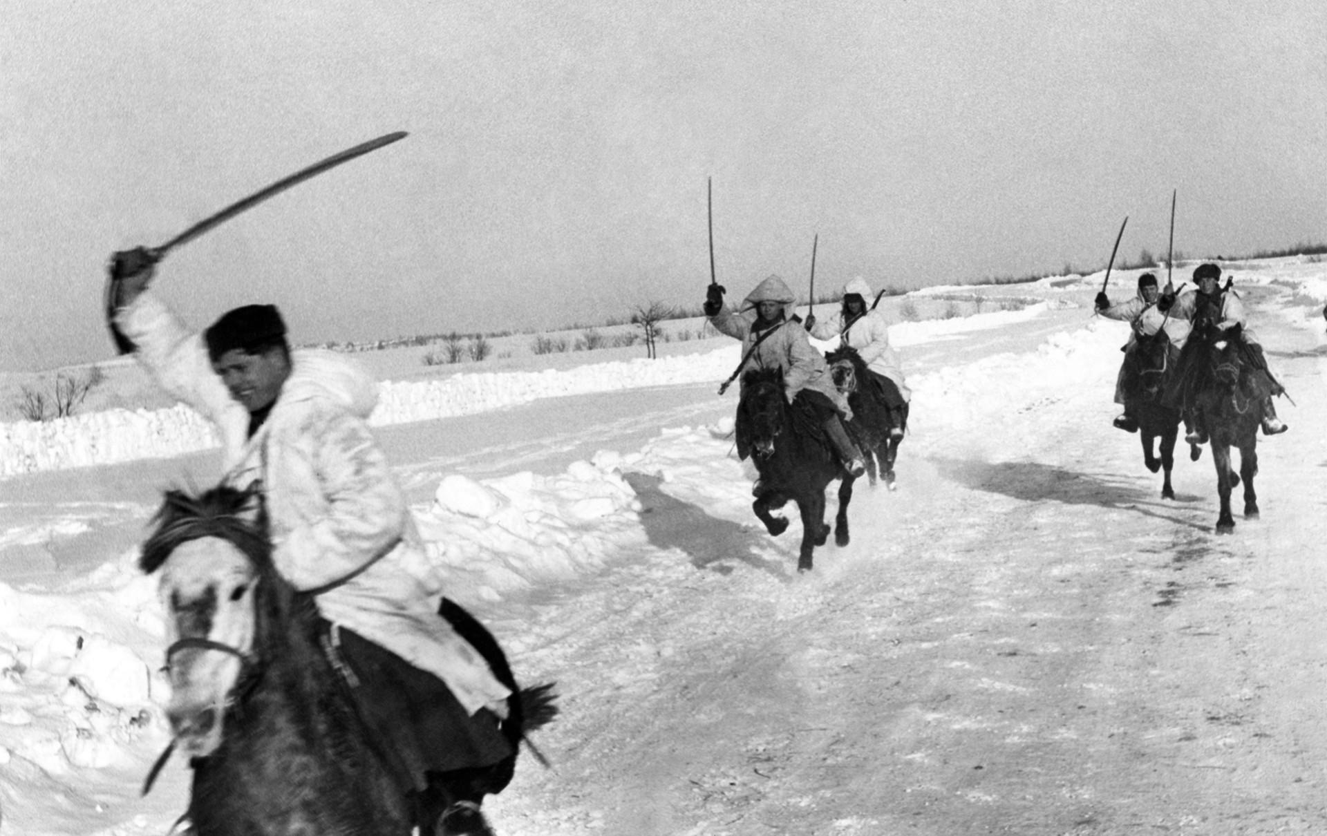 Zahodna fronta v ZSSR, sovjetski konjeniki preganjajo sovražnika
