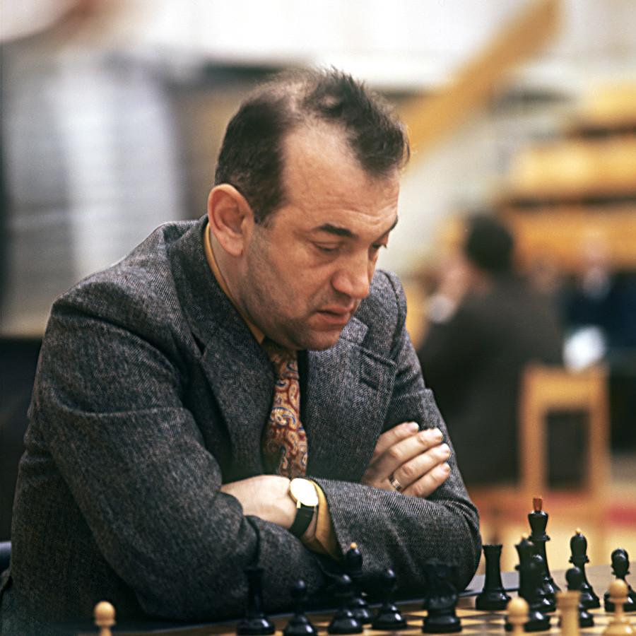 International grandmaster Viktor Korchnoi in 1973