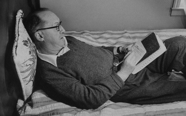 Набоков за работой, 1958