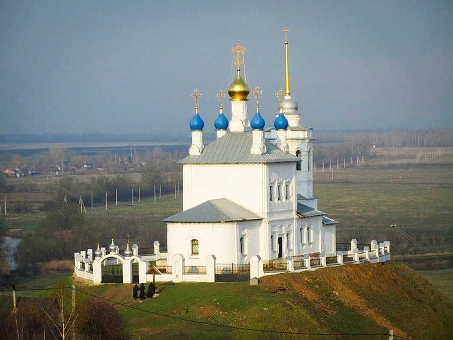 Église de la Dormition à Iepifan (250 km au sud de Moscou) dans la région de Toula, fin du XVIIe - début du XVIIIe siècle.