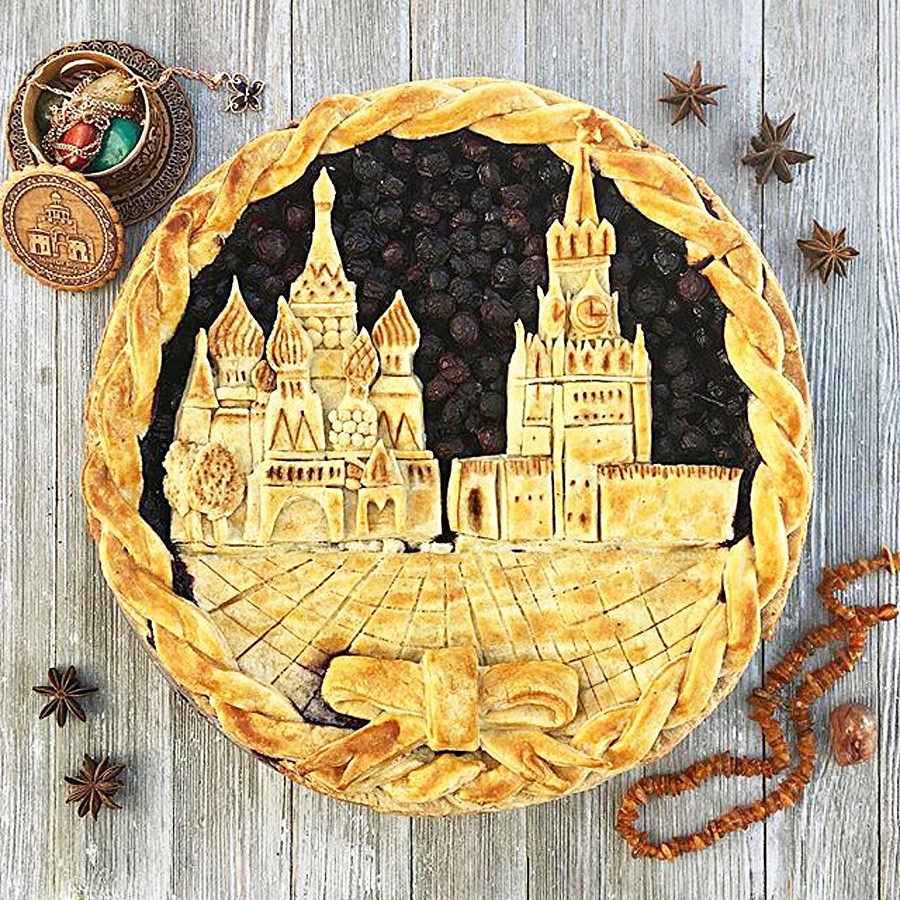 Blueberry pie with the view of the Red Square in Moscow.