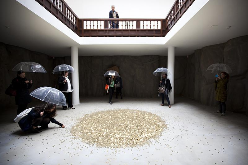 """Il progetto di Vadim Zakharov """"Danae"""" presso il Padiglione della Russia alla Biennale di Venezia"""
