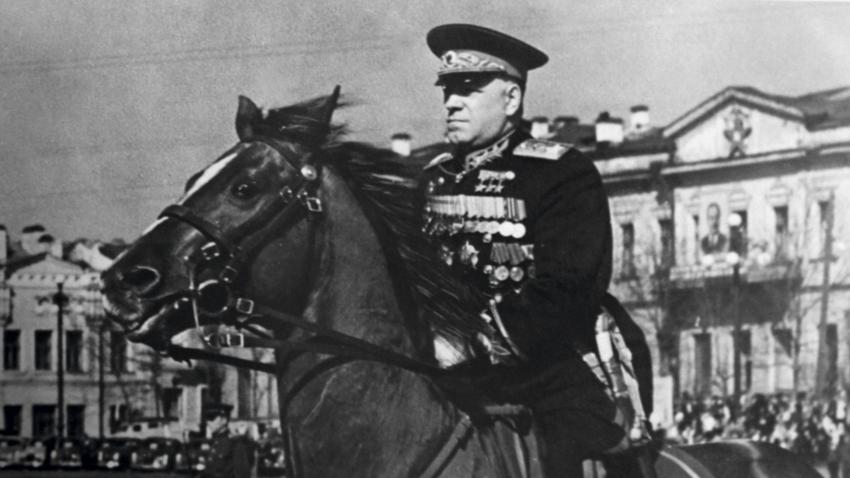 Маршал Георгий Жуков, Свердловск