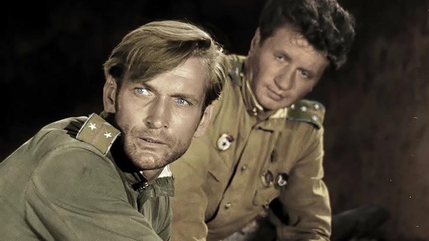 """Скриншот из филма """"У рат иду само старци"""""""