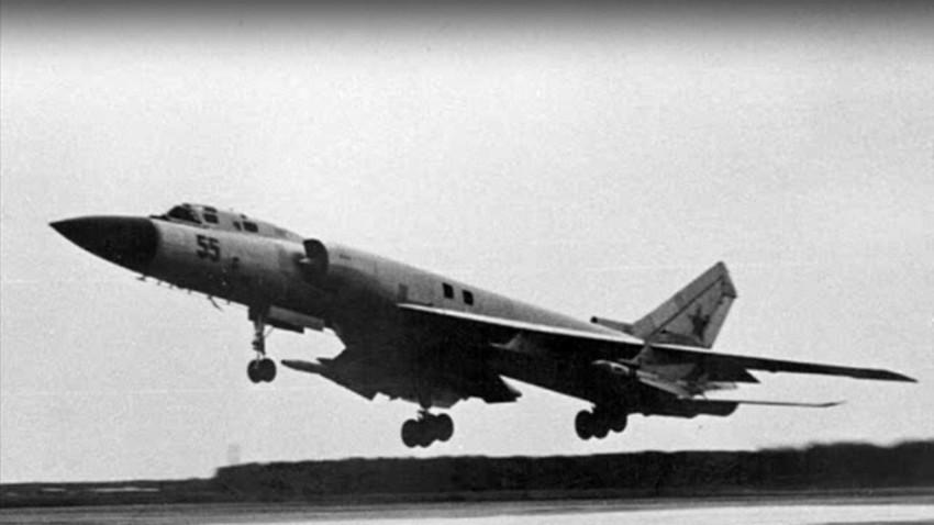 Tu-128.