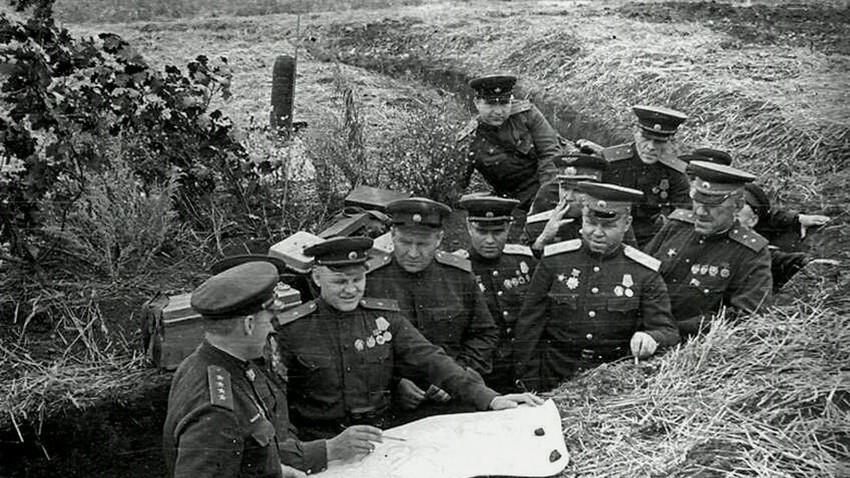 Битката при Курск, 1943 г. Северната част е защитена от войските на Централния фронт под командването на Константин Рокосовски.