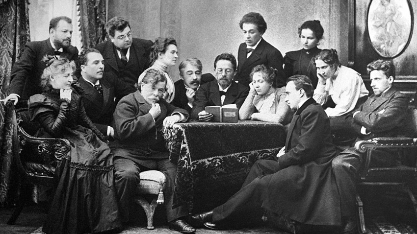 Anton Chekhov (in the center) was definitely among those who we can name the Russian intelligentsia.