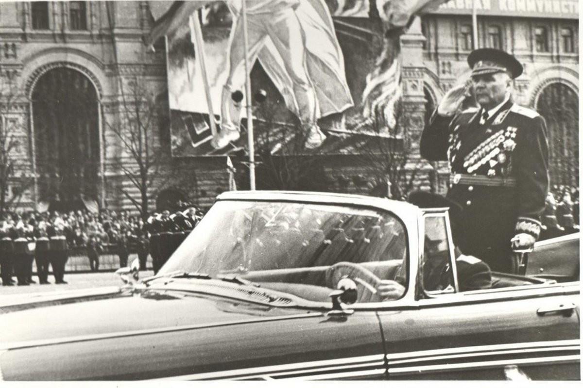 Родион Јаковлевич Малиновски, маршал на Советскиот Сојуз, двапати Херој на Советскиот Сојуз.