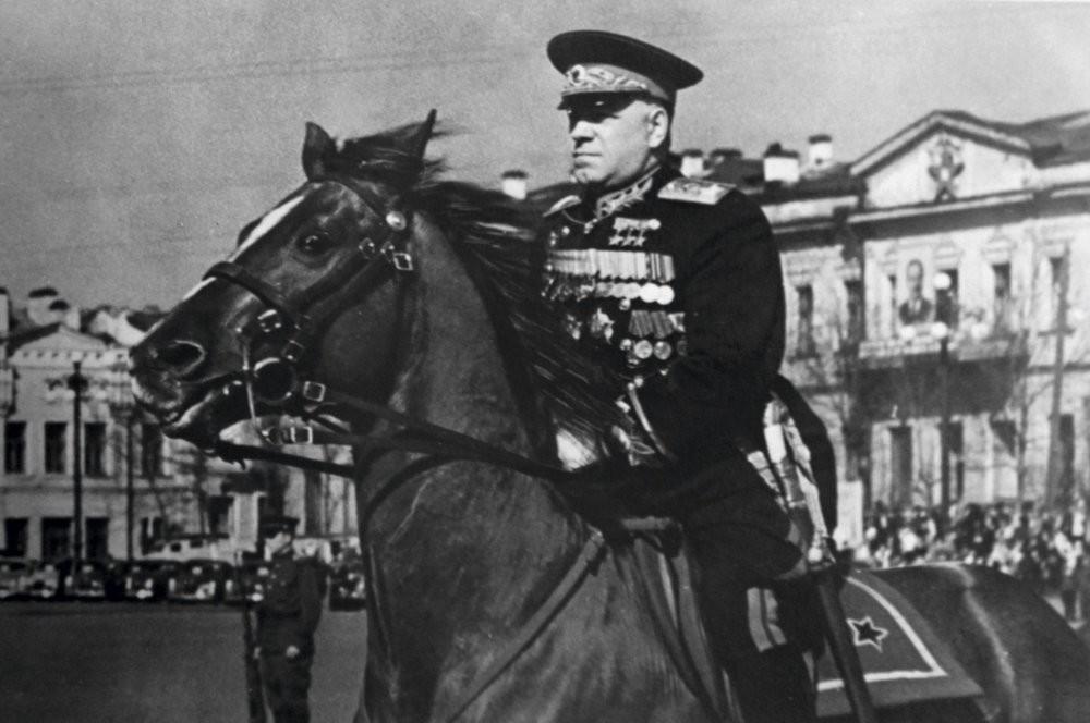 Георгиј Константинович Жуков, маршал на Советскиот Сојуз, четири пати Херој на Советскиот Сојуз