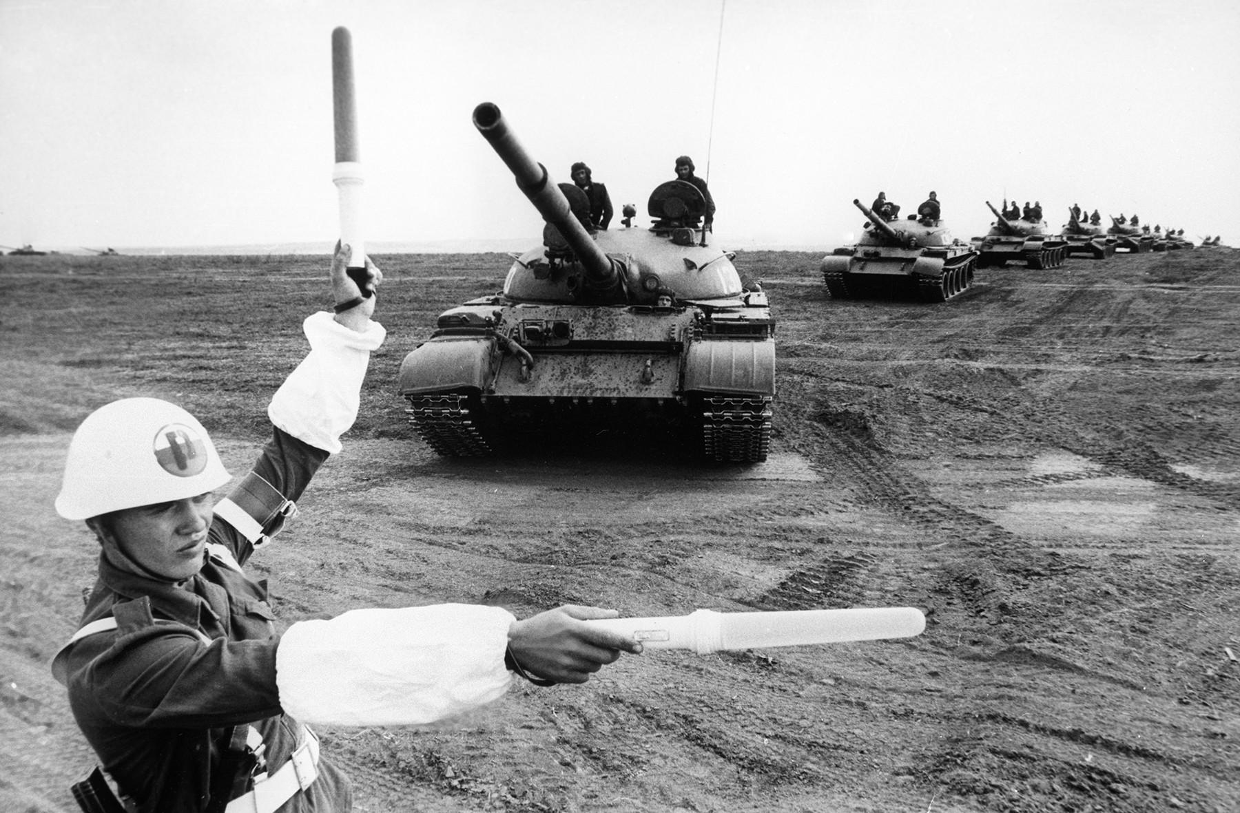 Pripadnik Bolgarske ljudske armade M. Stavrev na skupnih vajah Ščit-82 v Bolgariji jeseni 1982
