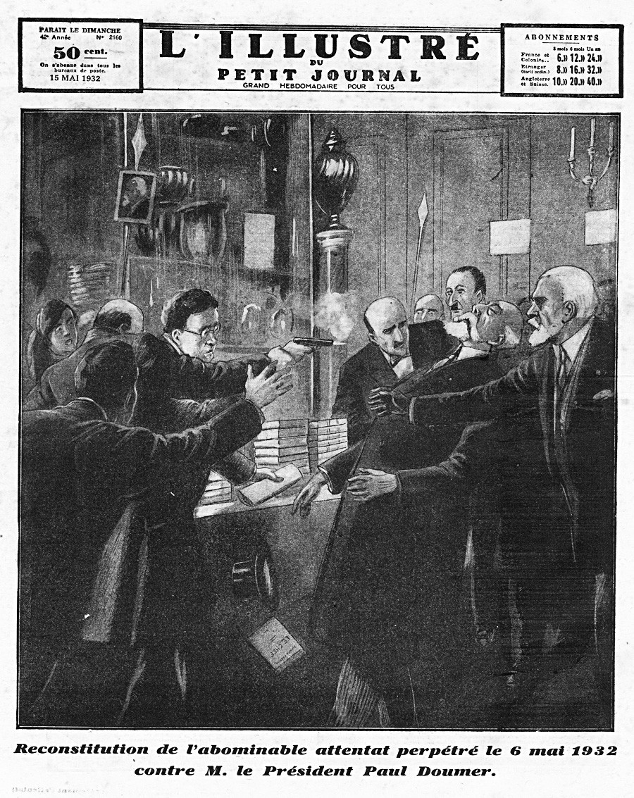 Rekonstrukcija ubojstva francuskog predsjednika Paula Doumera (1857.-1932.). Ubio ga je ruski anarhist Pavel Gorgulov (1895.-1932.) 6. svibnja 1932. godine. Prva stranica francuskog lista L'illustré du Petit Journal, 1932.