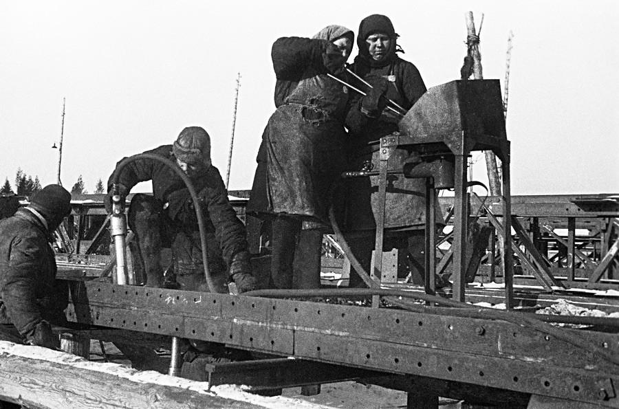 « Ouralmachstroï » (Constructions mécaniques de l'Oural), 1931