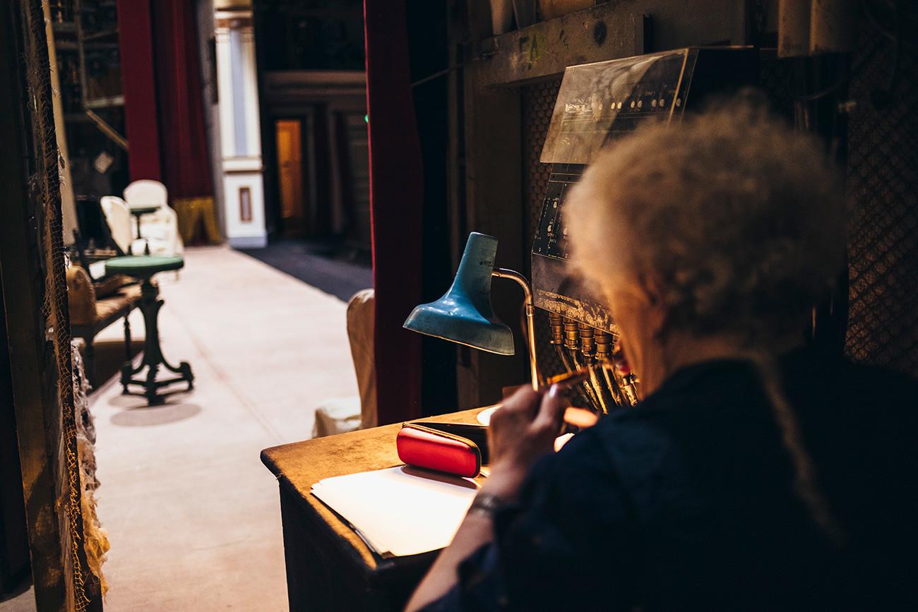 Рабочее место Ларисы Андреевой в Малом театре (Сцена на Большой Ордынке)