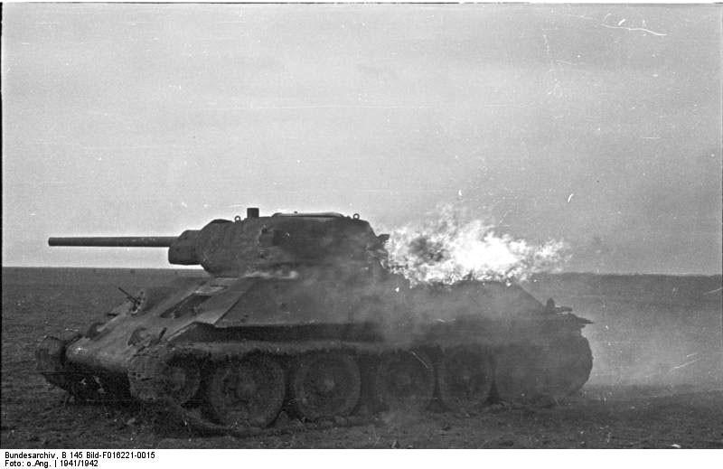 Уништен советски среден тенк Т-34