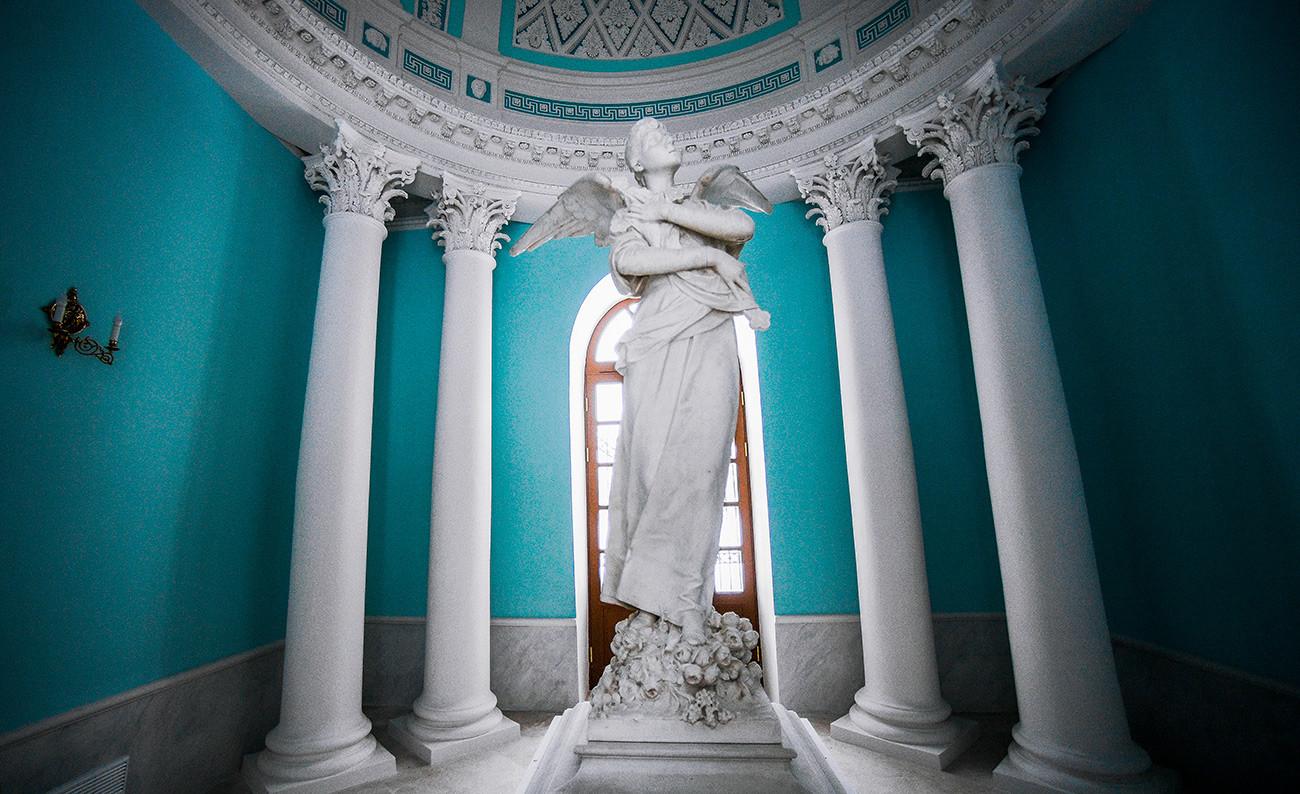 Grabstein für Prinzessin Tatjana Jussupowa in Archangelskoje