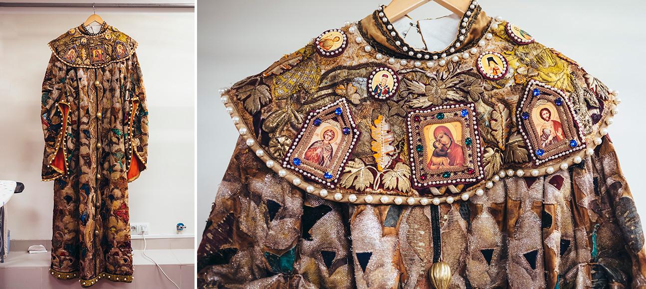 """Spettacolo """"Lo zar Boris"""", tratto dalla tragedia di Aleksej Konstantinovich Tolstoj. Costume della zarina"""
