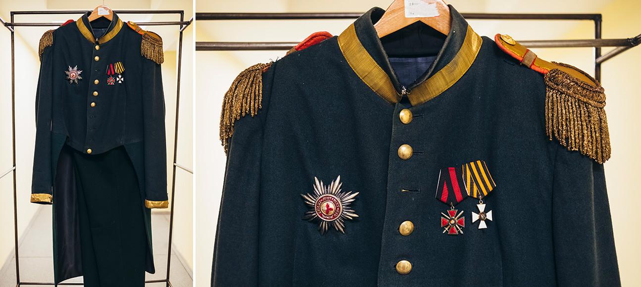 """Spettacolo """"Che disgrazia l'ingegno!"""" di Aleksandr Griboedov. Costume di Skalozub"""
