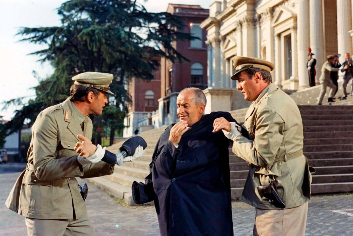 Луј де Финес у улози инспектора Жива.