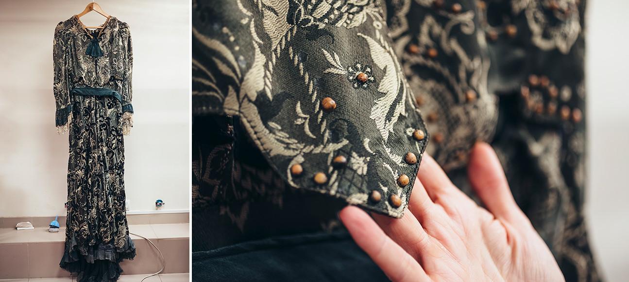 アントン・チェーホフの戯曲に基づく劇『かもめ』。アルカージナ(演:イリーナ・ムラヴィヨーワ)の衣装。エンドウ豆に注目されたい。