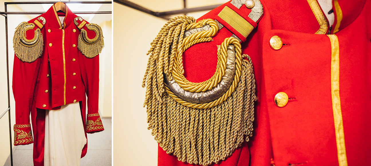 アレクサンドル・プーシキンの中編に基づく劇『スペードの女王』。将校の衣装。