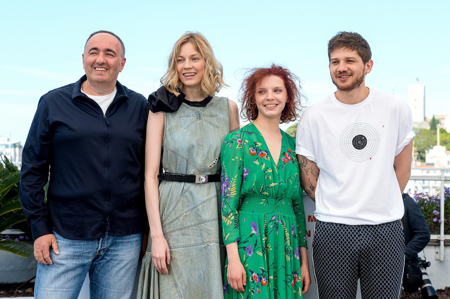 Il produttore Aleksandr Rodnyanskij, le attrici Viktoria Miroshnichenko e Vasilisa Perelygina e il regista Kantemir Balagov alla proiezione del film