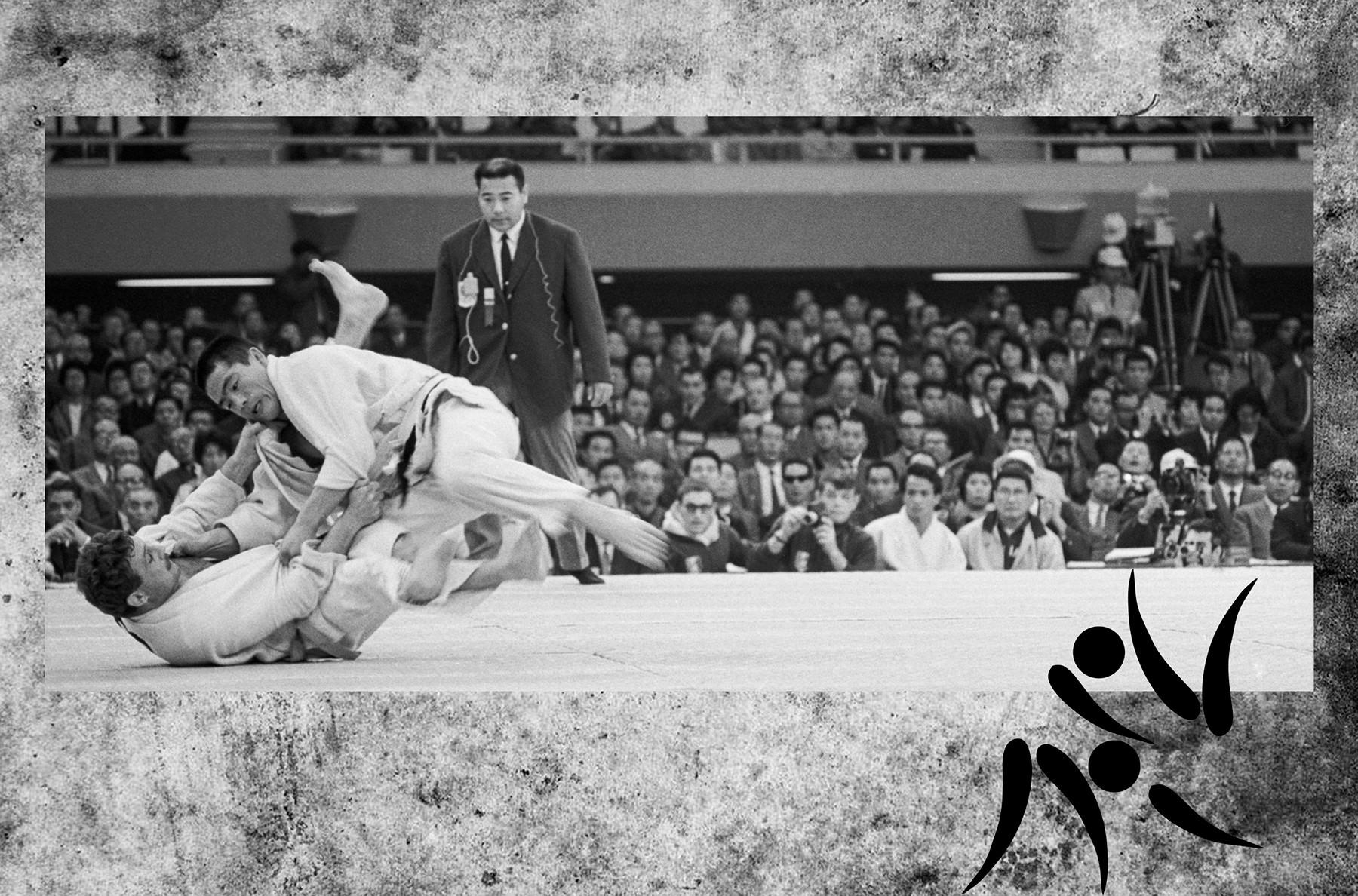 東京。1964年10月12日。試合中の重量級オリンピックチャンピオン、猪熊功。