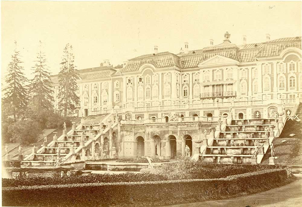 Le Grand palais de Peterhof, 1860, Alfred Lawrence