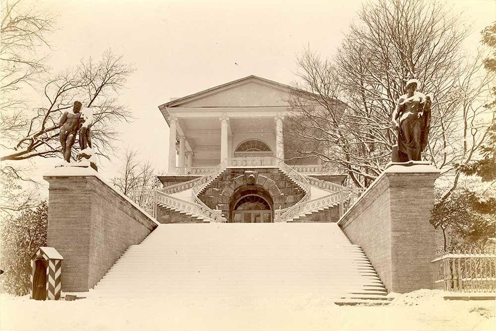 La galerie de Cameron du parc Catherine, à Tsarskoïé Selo, années 1900. Photographe inconnu