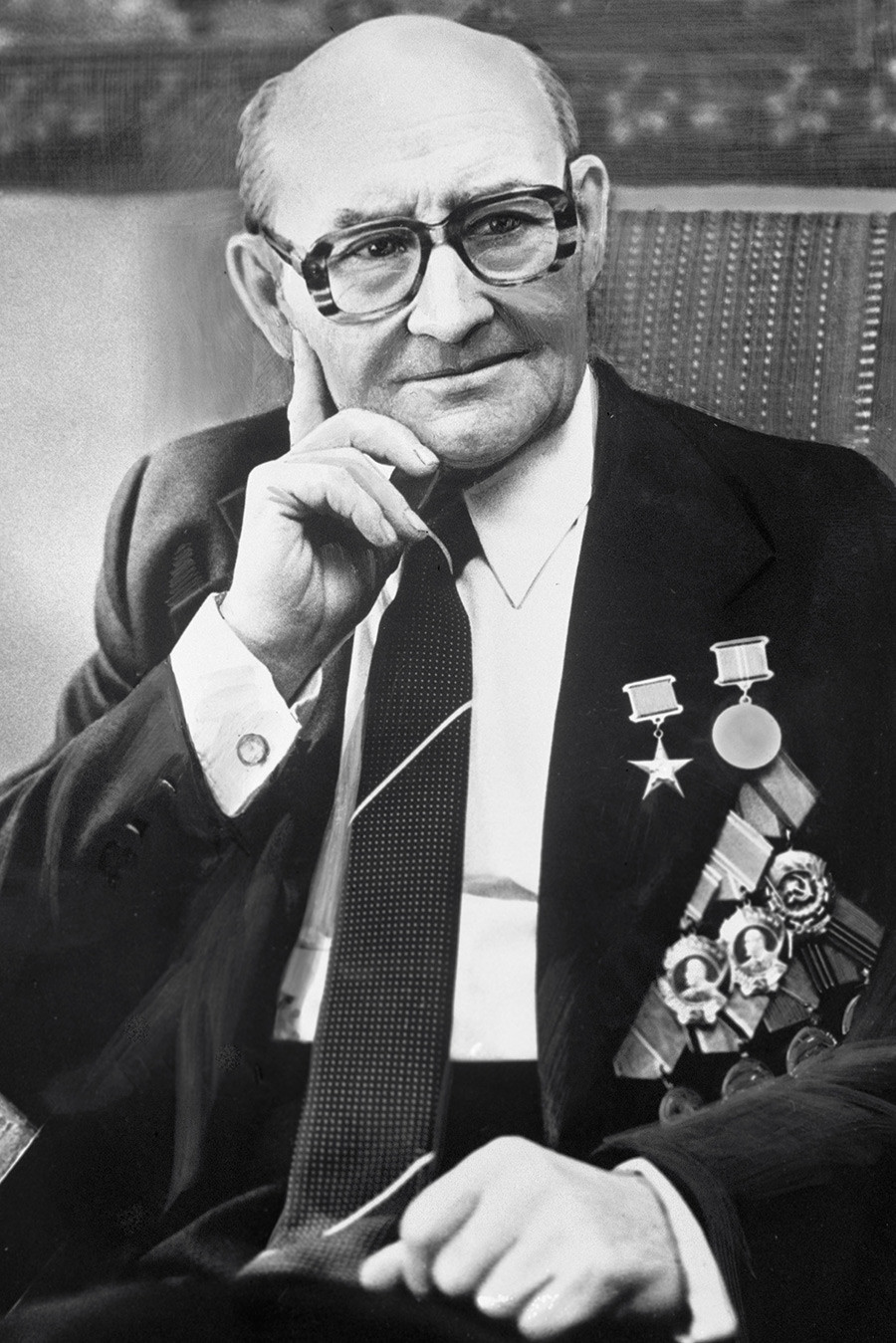 Николај Фјодорович Макаров, совјетски конструктор оружја. Херој социјалистичког рада, добитник Стаљинове награде и Државне награде СССР-а. Почасни грађанин Тулске области.