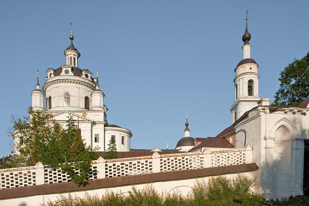 St. Nicholas-Chernoostrovsky Convent. North Gate with  Cathedral of St. Nicholas & bell tower. August 6, 2016