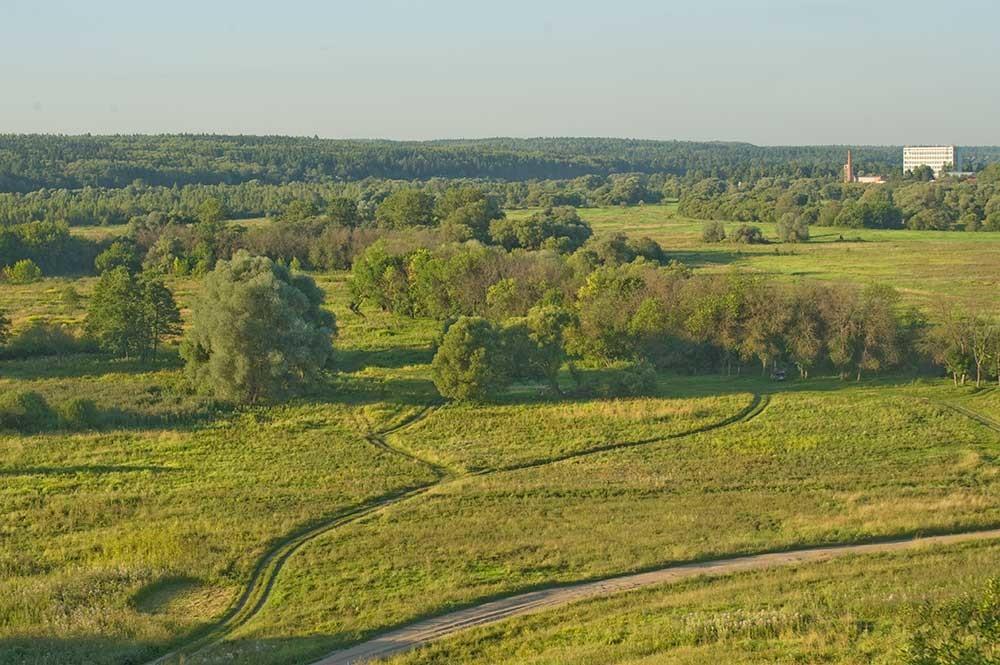 Maloyaroslavets. View northeast toward St. John's Meadow & Luzha River (hidden by trees) over which French army crossed at Maloyaroslavets Battle. August 6, 2016