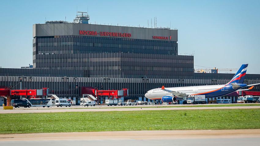 Terminal F na moskovskem letališču Šeremetjevo. Tisti, ki ste kdaj leteli z Brnika v Moskvo, ga morda že poznate.
