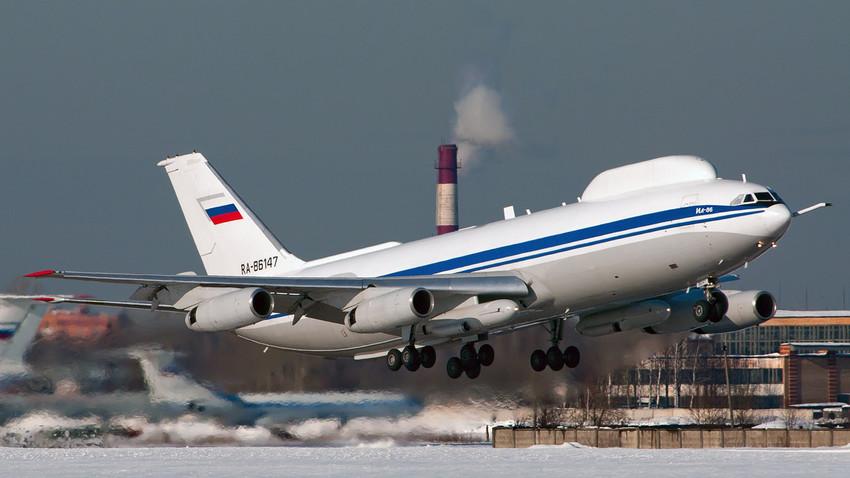 Avión ruso Iliushin Il-78 Aimak (Il-80/Il-86VKP).