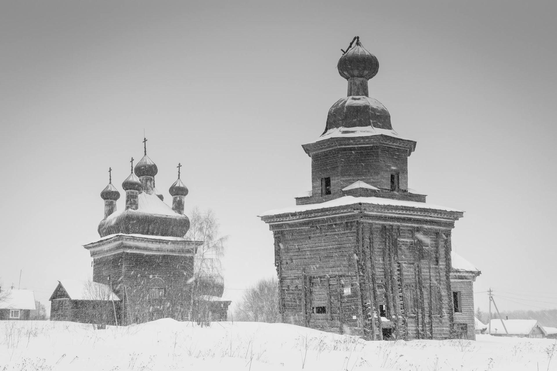 シェロホフスカヤ村の教会群