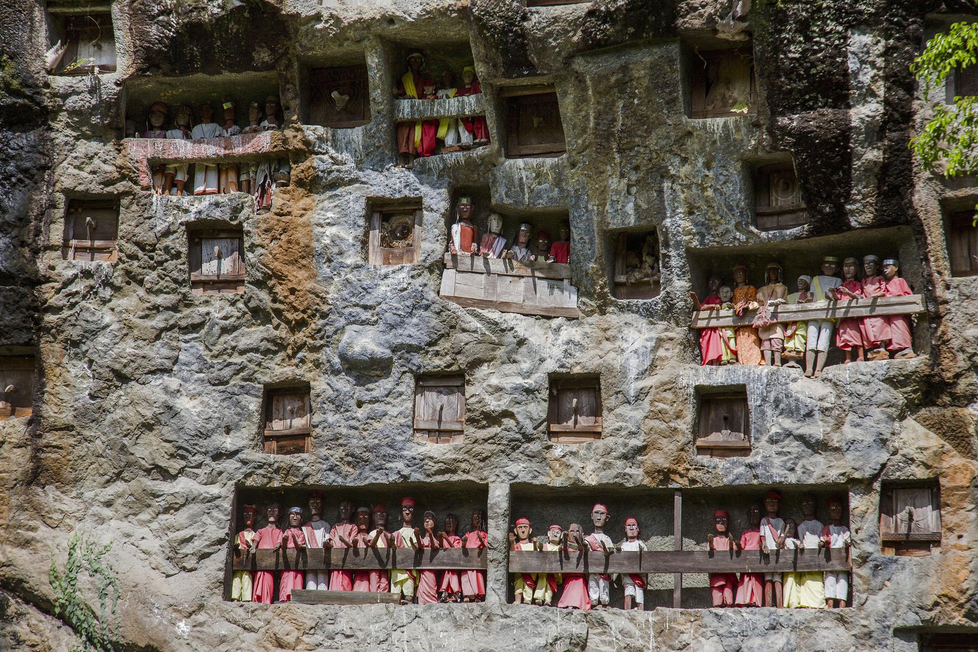 Kubur Batu di Tana Toraja, Sulawesi Selatan.