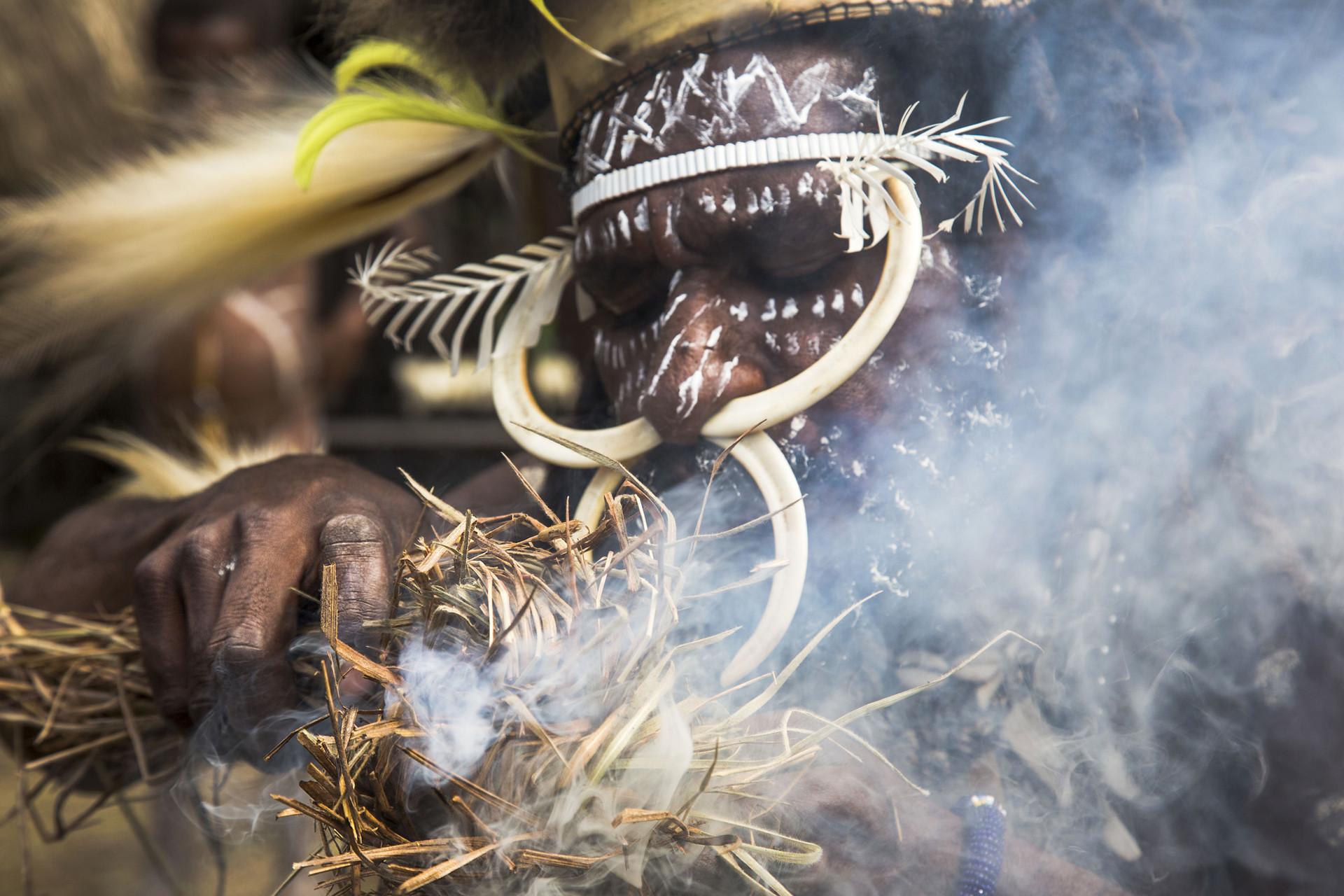 Ritual Tradisi Bakar Batu di Lembah Baliem, Papua.