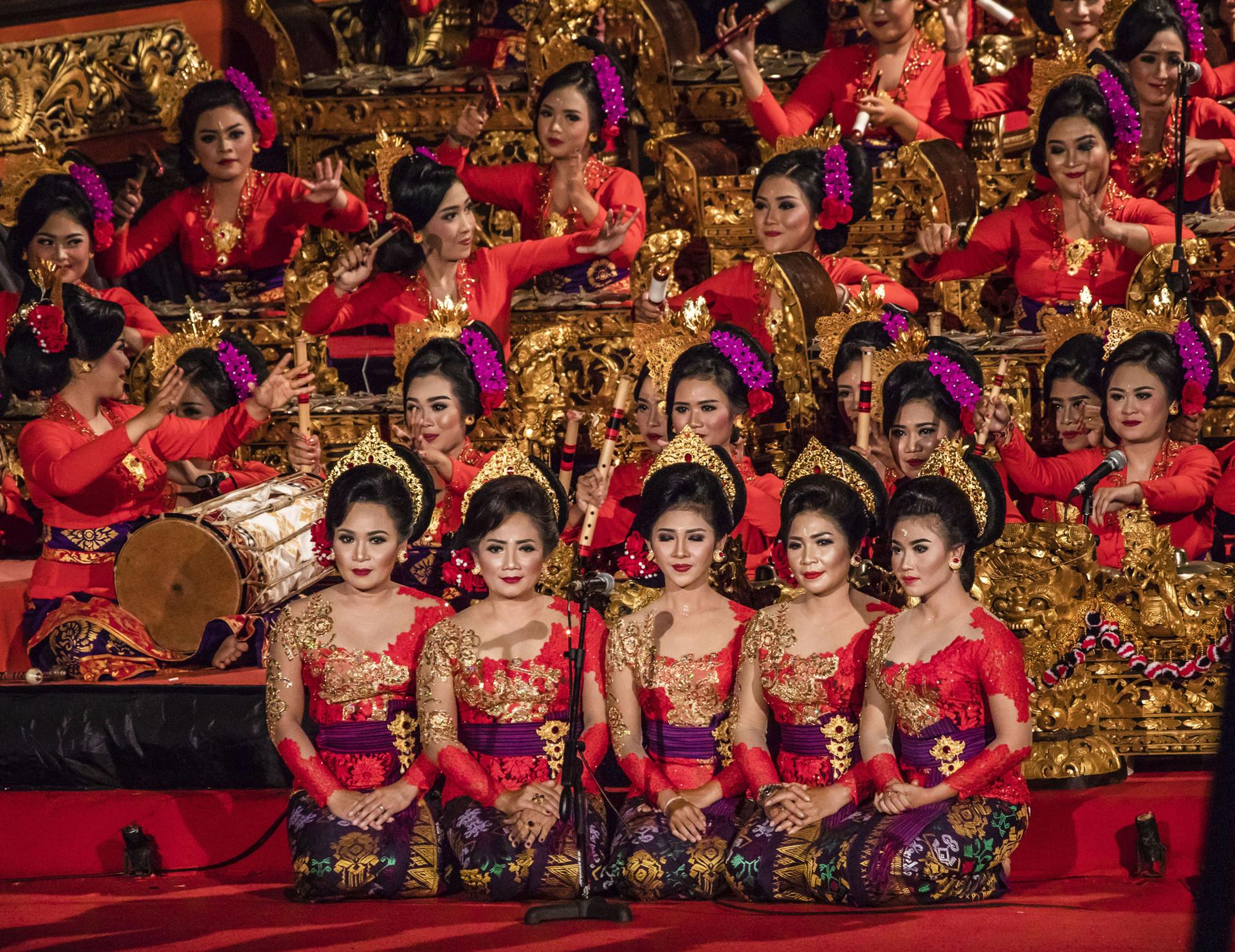 Pertunjukan gamelan perempuan pada acara Bali Art Festival di Pulau Bali.