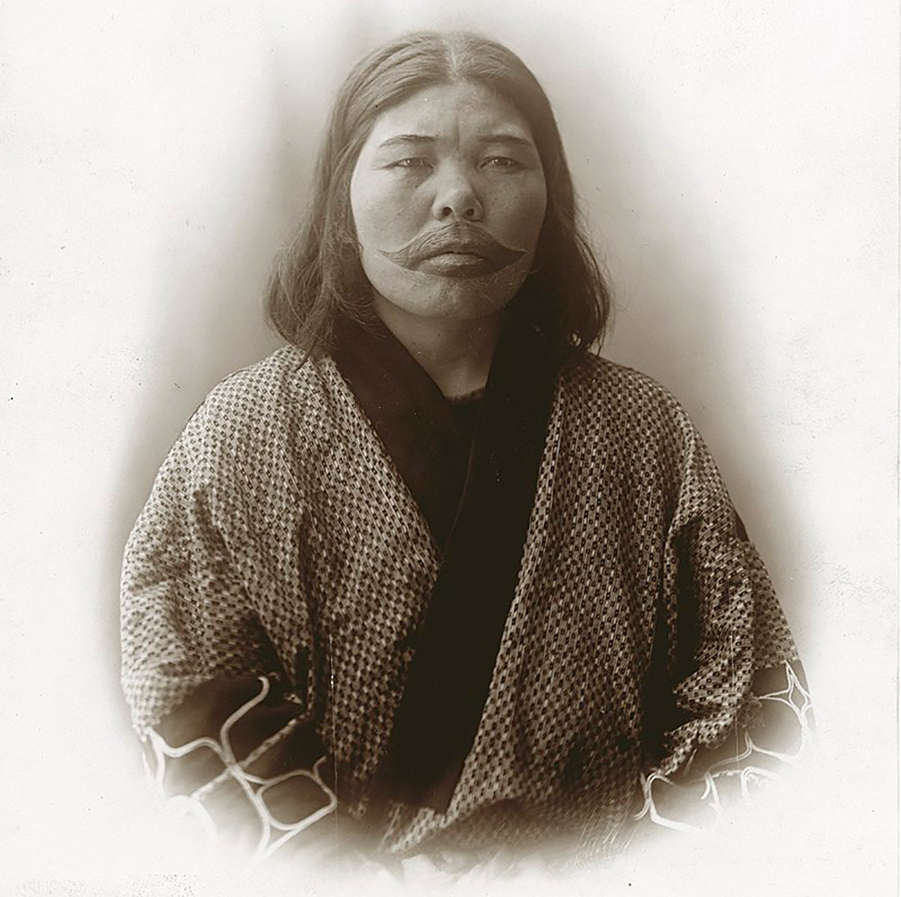 Жена из народа Аину.