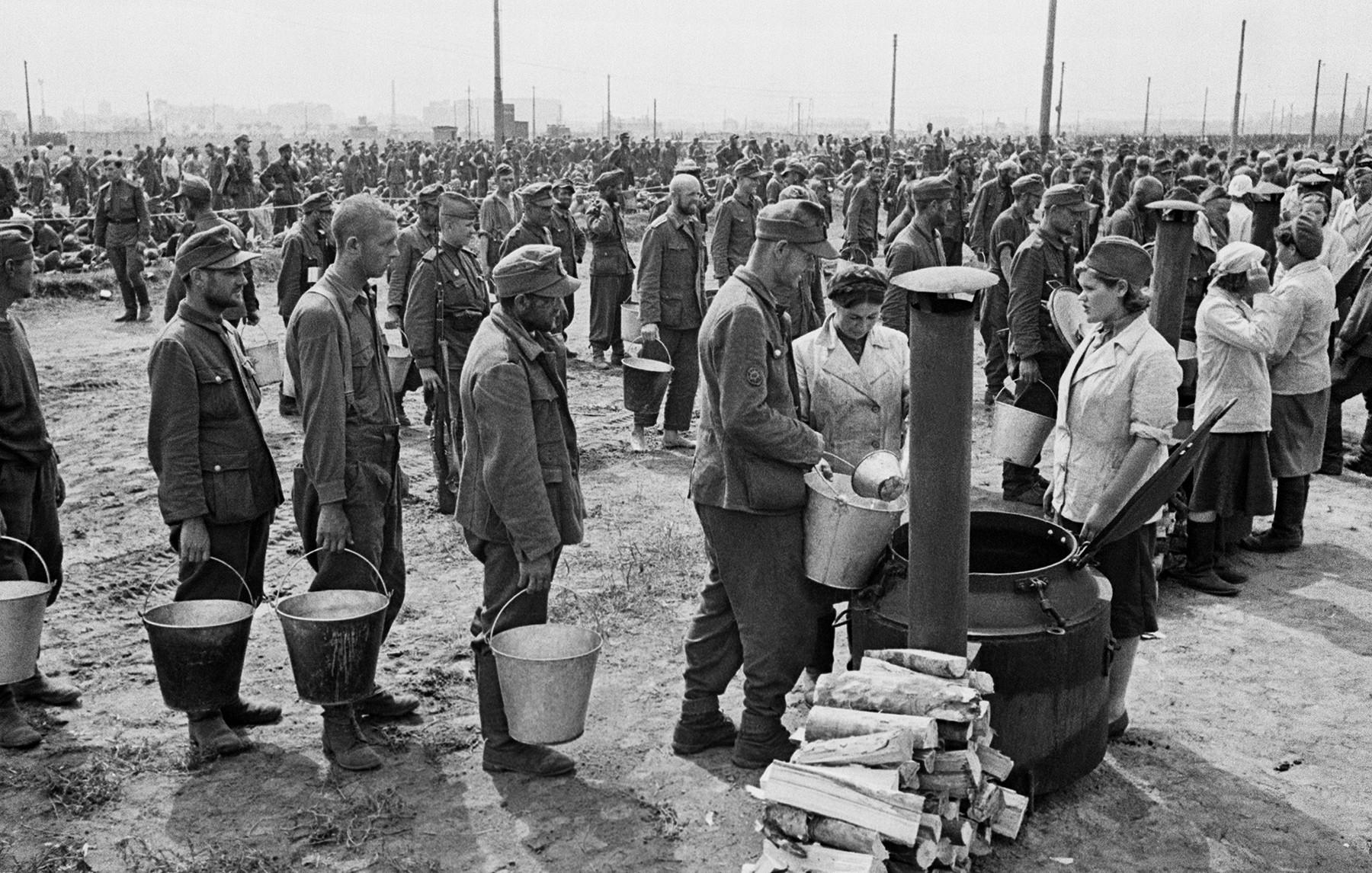 Заробљени Немци на Ходинском пољу.