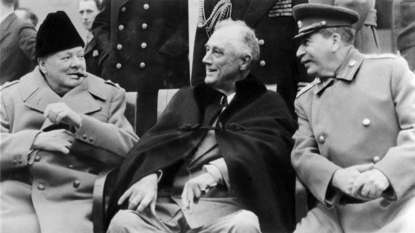 """Резултат с изображение за """"Франклин Рузвелт, Уинстън Чърчил и Йосиф Сталин."""""""""""