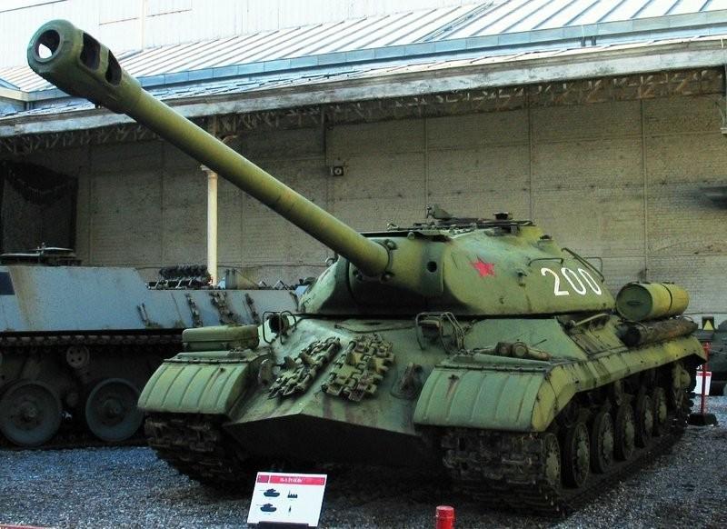 IS-3 em um museu de Bruxelas