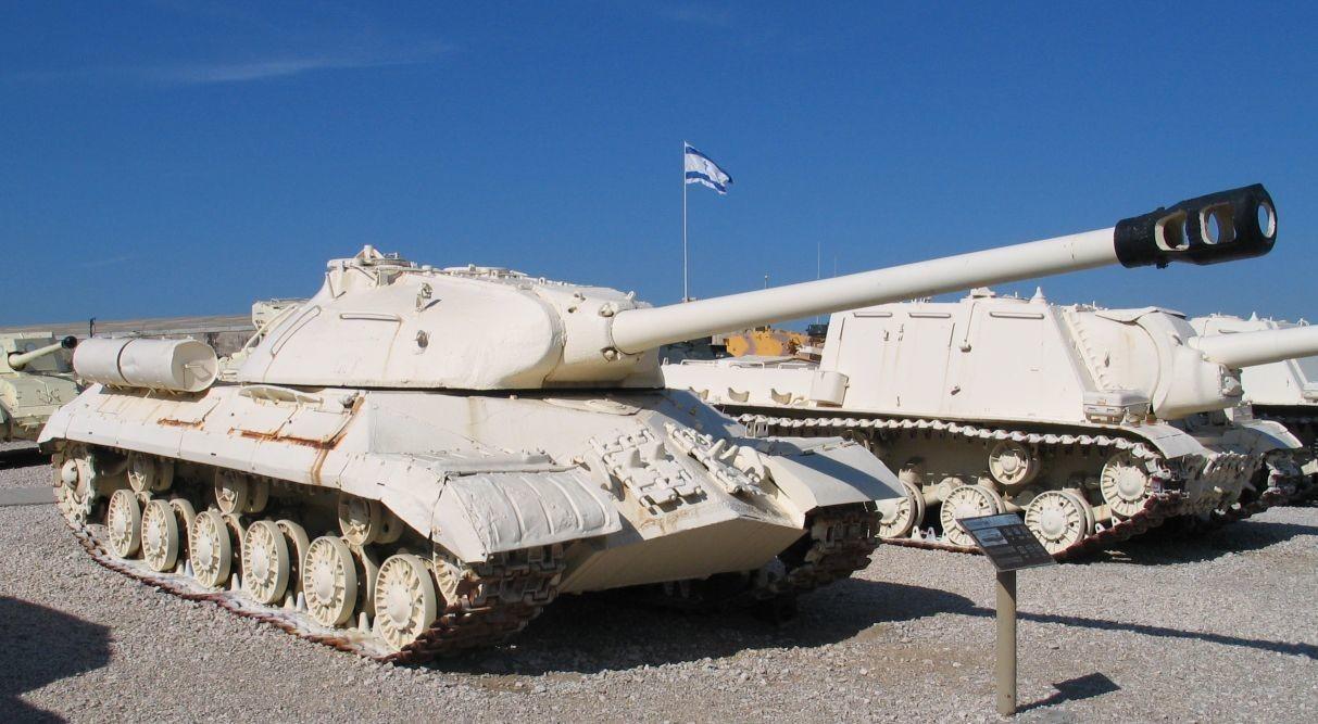 IS-3 capturado pelos israelenses exposto no Museu de Yad la-Shiryon