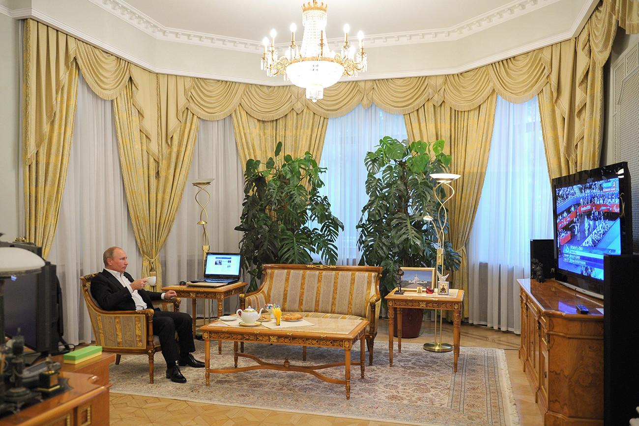 8 official residences of Russia's president, Vladimir ...