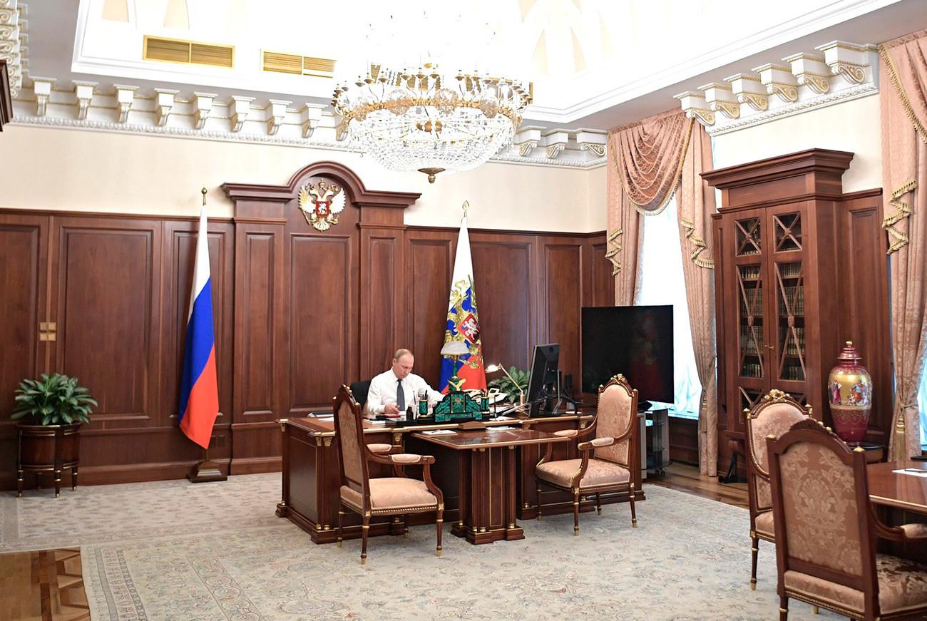 Putinova kuća ... može li se ova konstrukcija nazvati kućom 5d2edc6185600a0a03793907