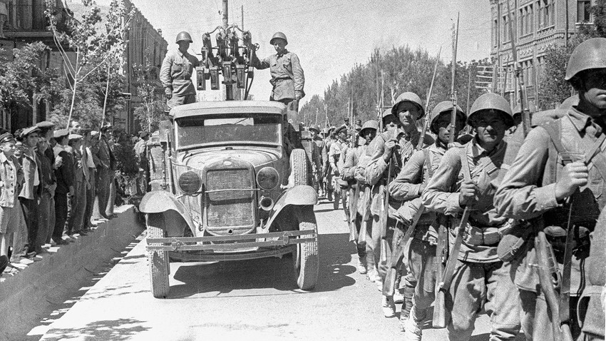 How the Red Army liberated Europe during WWII (PHOTOS